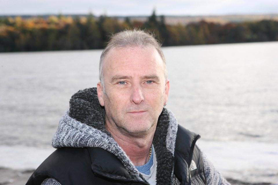 Bức ảnh cho thấy quái vật vui đùa dưới hồ Loch Ness? - 2