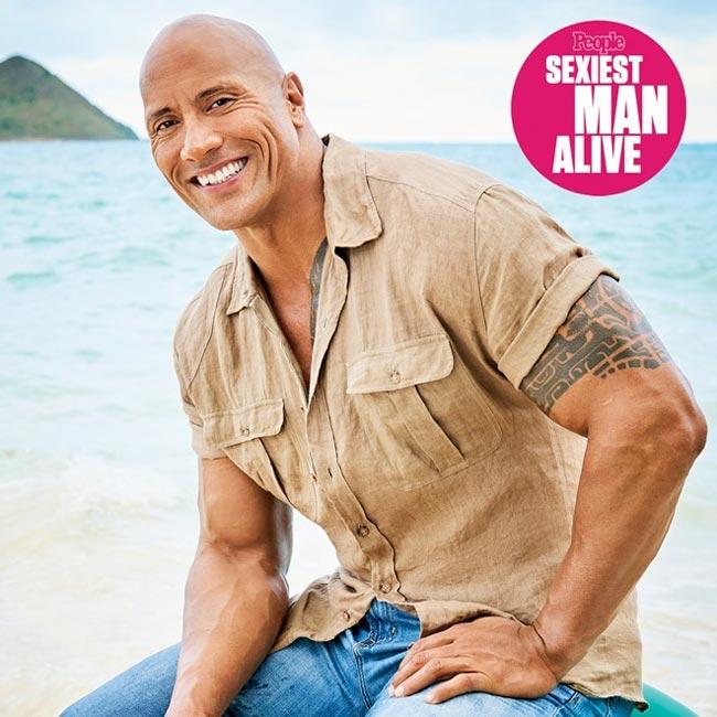 The Rock  Dwayne & nbsp;Johnson vừa & nbsp;được tạp chí People bình chọn là quý ông quyến rũ nhất năm.