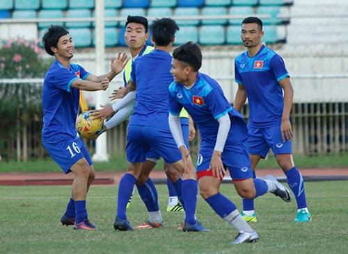 ĐT Việt Nam: Chơi bóng ném để thắng Myanmar ở sân Thuwunna - 7