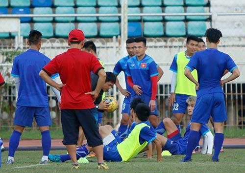 ĐT Việt Nam: Chơi bóng ném để thắng Myanmar ở sân Thuwunna - 10