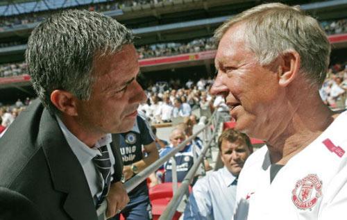 MU - Arsenal: Mourinho trẻ lại bảo thủ hơn Wenger già - 3