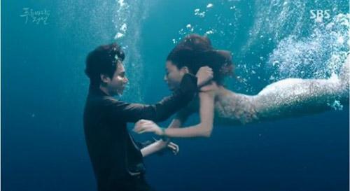 """Lee Min Ho hôn """"nàng tiên cá"""" Jeon Ji Hyun dưới biển - 3"""