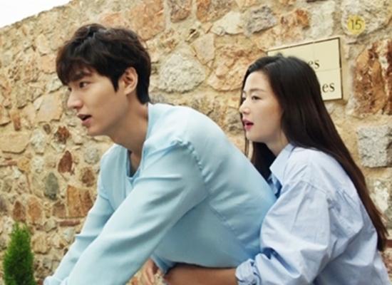 """Lee Min Ho hôn """"nàng tiên cá"""" Jeon Ji Hyun dưới biển - 2"""