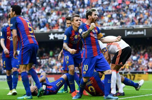 """Messi: Đại ca đích thực và """"núi"""" USD chờ đút túi như Ronaldo - 2"""