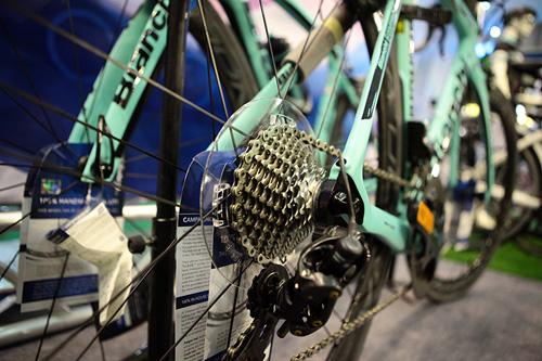 Chiêm ngưỡng xe đạp siêu lạ, đắt ngang ô tô ở HN - 4