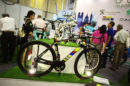 Chiêm ngưỡng xe đạp siêu lạ, đắt ngang ô tô ở HN - 5