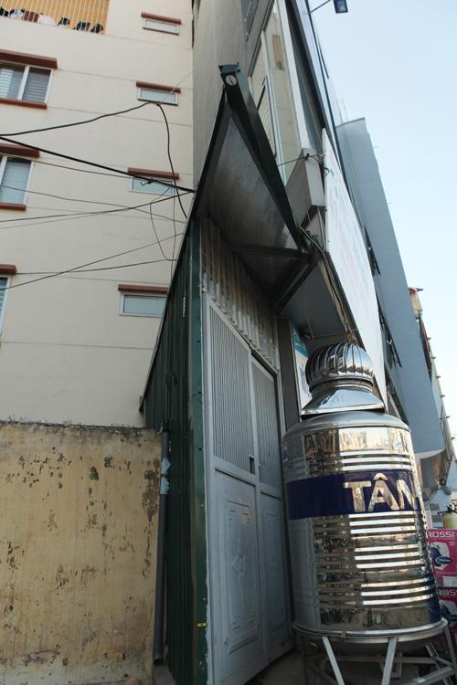 """Hà Nội: Nhà mỏng manh trên """"đường cong mềm mại"""" - 3"""