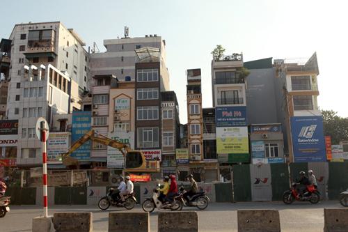 """Hà Nội: Nhà mỏng manh trên """"đường cong mềm mại"""" - 11"""