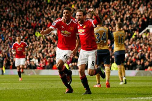 MU – Arsenal: Chân mệnh anh hùng - 4