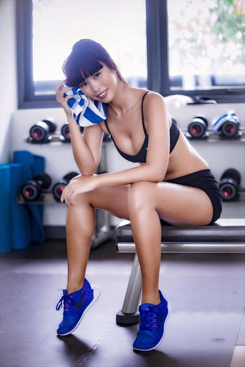 Đồ tập gym sao Việt: Kẻ sexy quá đỗi, người lại kín như bưng - 1