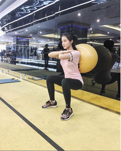 Đồ tập gym sao Việt: Kẻ sexy quá đỗi, người lại kín như bưng - 9