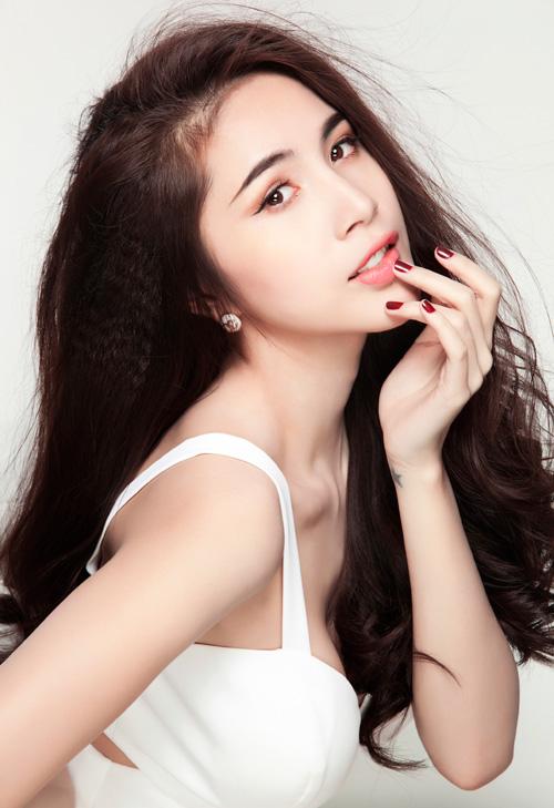 """7 """"cô giáo"""" xinh đẹp, nóng bỏng nhất showbiz Việt - 3"""