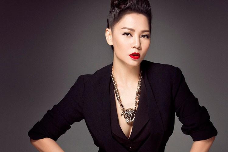 """7 """"cô giáo"""" xinh đẹp, nóng bỏng nhất showbiz Việt - 9"""