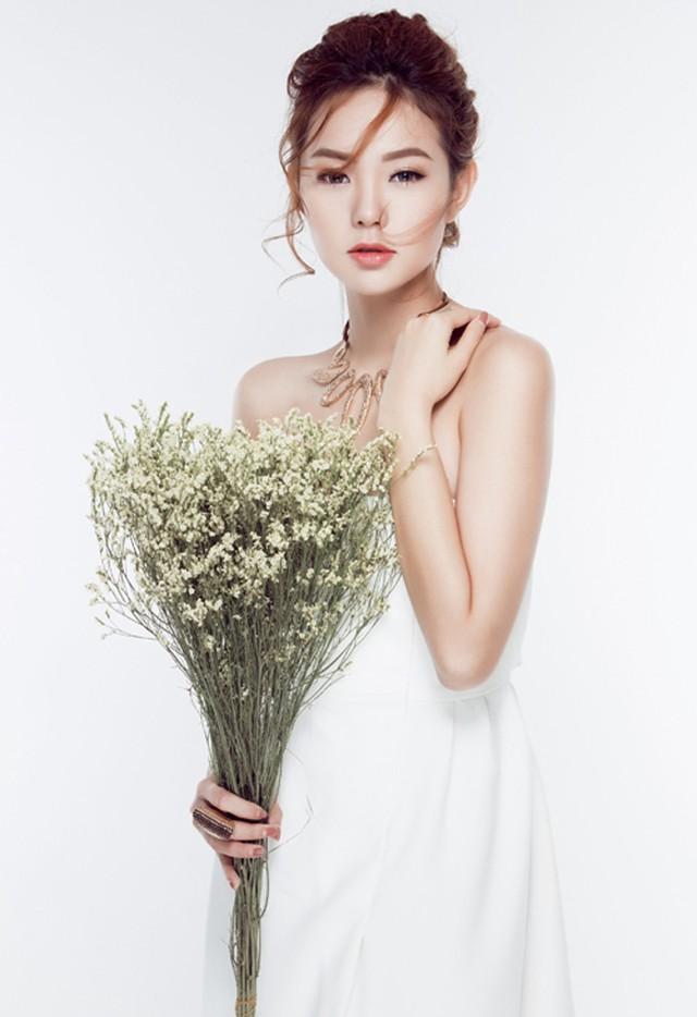 """7 """"cô giáo"""" xinh đẹp, nóng bỏng nhất showbiz Việt - 7"""