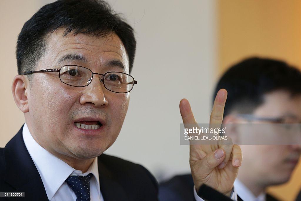 Kim Jong-un có 130 bác sĩ ngày đêm chăm lo sức khỏe - 2