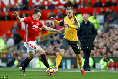 Chi tiết MU - Arsenal: Chết lặng Old Trafford (KT) - 4