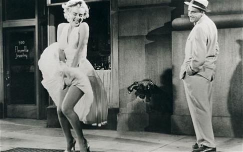 Cận cảnh chiếc váy 4,8 triệu USD của Marilyn Monroe - 3
