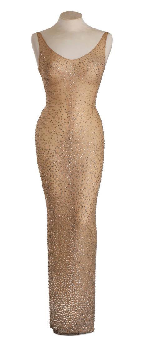 Cận cảnh chiếc váy 4,8 triệu USD của Marilyn Monroe - 4