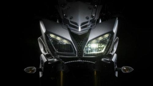 BMW F800GS Adventure và Yamaha FJ-09: Ai đo ván ai? - 3