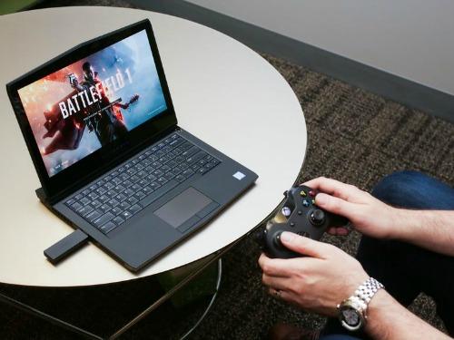 Alienware 13 R3 (OLED): Laptop chơi game tích hợp công nghệ thực tế ảo VR - 1