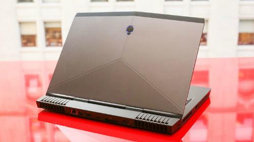 Alienware 13 R3 (OLED): Laptop chơi game tích hợp công nghệ thực tế ảo VR - 3