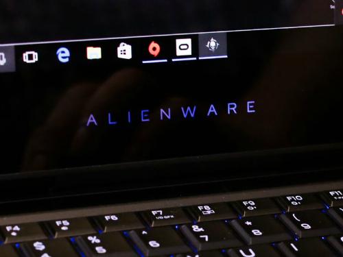 Alienware 13 R3 (OLED): Laptop chơi game tích hợp công nghệ thực tế ảo VR - 6