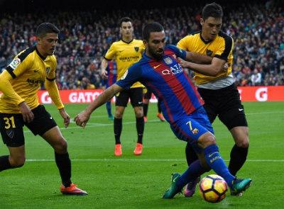 Chi tiết Barcelona – Malaga: Chia điểm đáng tiếc (KT) - 5