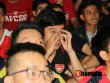 """""""Xé nát"""" lưới MU cuối trận, fan Arsenal bật khóc nức nở"""