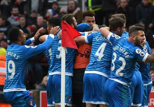 Stoke City - Bournemouth: Nghịch lý đau lòng - 1