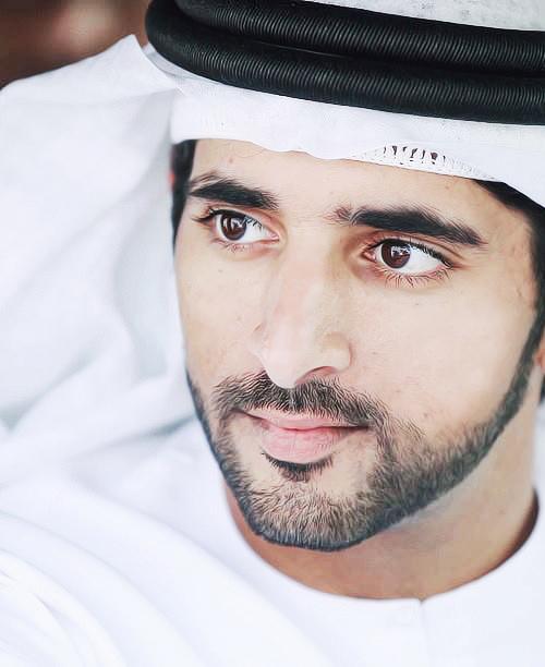 Thú vui chơi xa xỉ của Thái tử đẹp trai nhất Dubai - 1