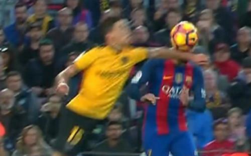 """""""Tịt ngòi"""" ở Nou Camp, báo thân Barca đổ lỗi trọng tài - 1"""