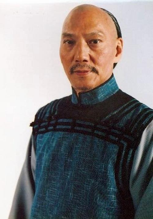 """Cuộc sống quyền lực của lão ăn xin trong """"Tuyệt đỉnh Kungfu"""" - 4"""
