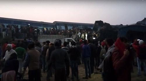 Tai nạn tàu hỏa kinh hoàng ở Ấn Độ, 45 người thiệt mạng - 1