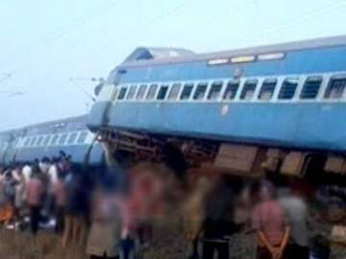 Tai nạn tàu hỏa kinh hoàng ở Ấn Độ, 45 người thiệt mạng - 2