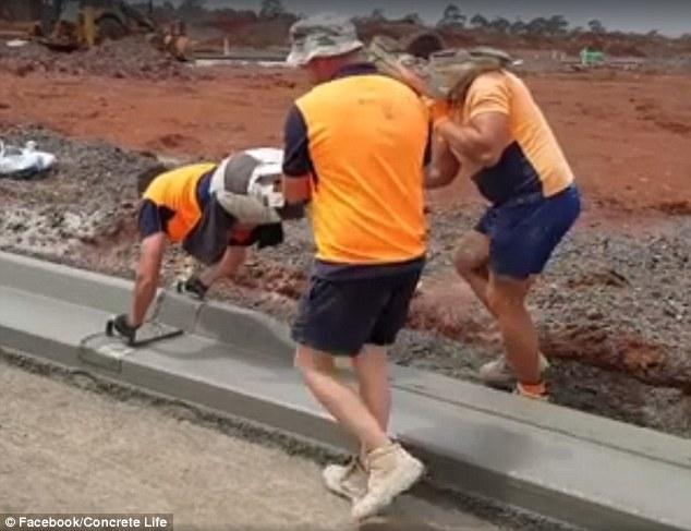"""Công nhân Úc """"thi triển"""" kĩ thuật láng xi măng độc đáo - 1"""