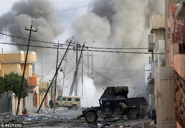 Thủ lĩnh tối cao IS ngủ dưới hầm với đai bom tự sát - 2
