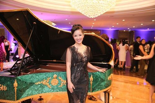 Mỹ Linh diện style gợi cảm, lấn át diva Hồng Nhung - 5