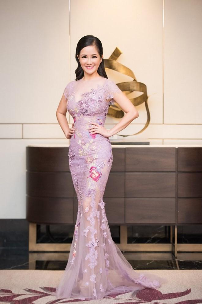 """Quỳnh Mai """"siêu vòng 3"""" bất ngờ lọt top mặc đẹp nhất - 5"""