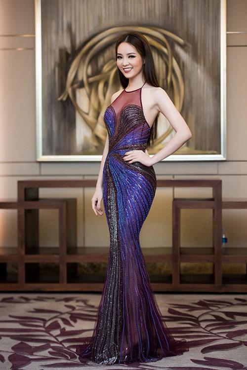 """Quỳnh Mai """"siêu vòng 3"""" bất ngờ lọt top mặc đẹp nhất - 9"""