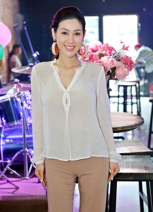 """Quỳnh Mai """"siêu vòng 3"""" bất ngờ lọt top mặc đẹp nhất - 17"""