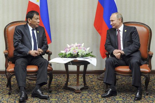 """Tổng thống Duterte gặp """"thần tượng"""" Putin - 1"""