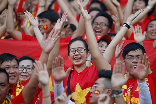 ĐT Việt Nam: Văn Quyết mở hàng, fan ngập tràn vui sướng - 8