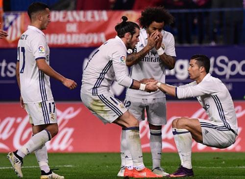 Real phong độ hủy diệt: Barca khó ngăn nổi kỷ lục - 1