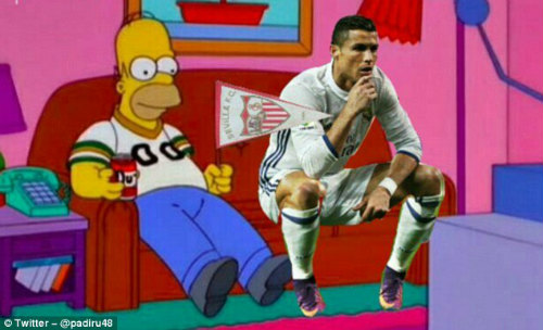 """Bị chê đồng tính, Ronaldo đáp trả """"OK nhưng tôi giàu"""" - 8"""