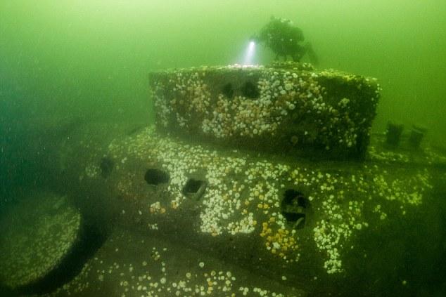 Tìm thấy tàu ngầm Anh chở 29 người đắm cách đây 100 năm - 1