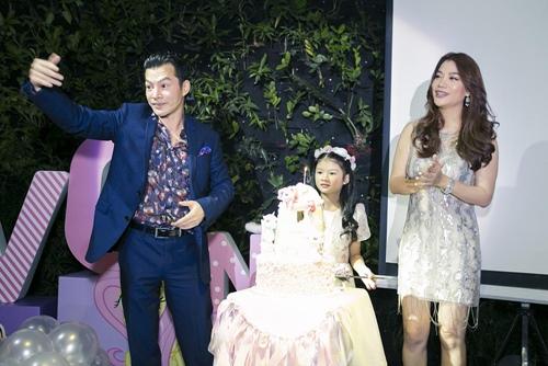 Trương Ngọc Ánh cùng Trần Bảo Sơn mừng sinh nhật con gái - 2
