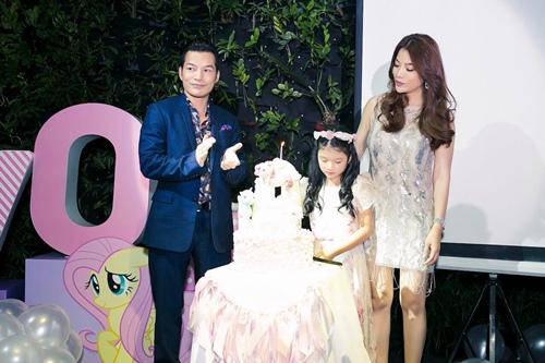 Trương Ngọc Ánh cùng Trần Bảo Sơn mừng sinh nhật con gái - 1