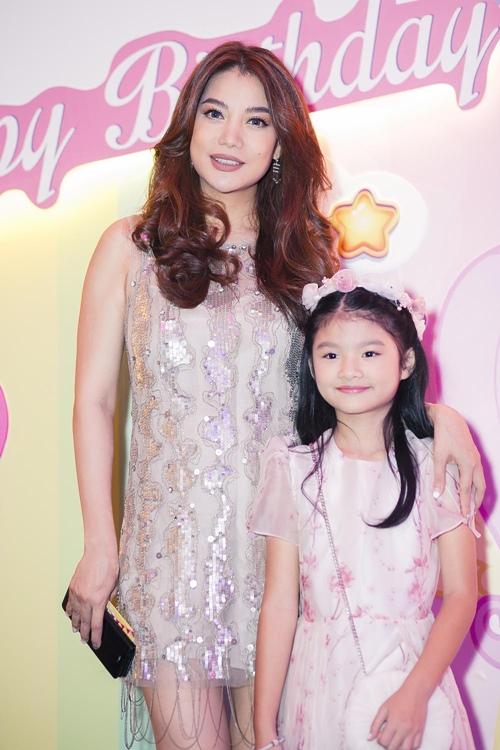 Trương Ngọc Ánh cùng Trần Bảo Sơn mừng sinh nhật con gái - 7