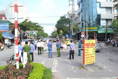 Hai nhóm truy sát, 1 thanh niên bị chém tử vong - 1
