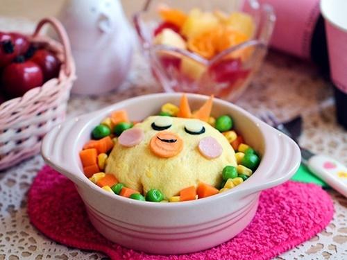 Cơm chiên bọc trứng hình gà con cực đáng yêu cho bé - 9